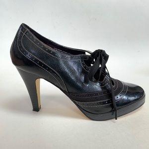 Isaac Mizrahi🕷leather lace up heels size 10